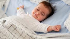 Kiek kūdikis miega