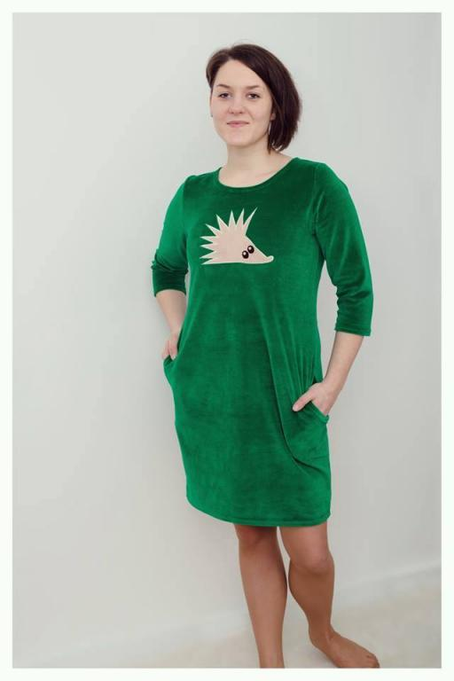 Žalia veliūrinė suknelė mamytėms