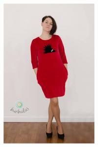 Raudona veliūrinė suknelė