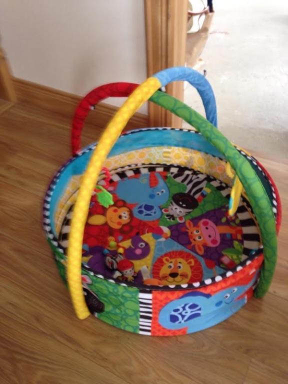 Playgro lavinamasis kilimėlis su kamuoliukais 3 in 1
