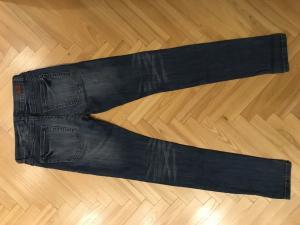 Nauji mergaitei džinsai