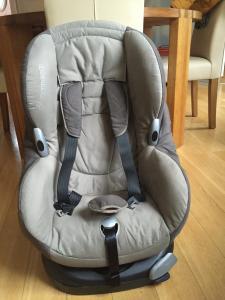 Automobilinė kėdutė (rusva 9-18 kg.)