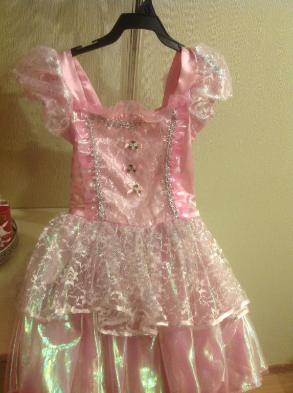 Šventinė suknelė su apsiaustu