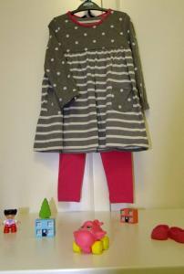 Suknelė su timputėmis