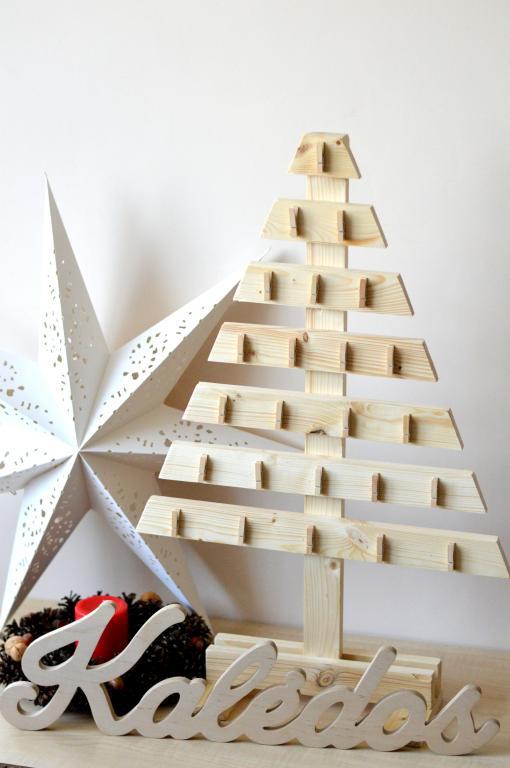 Advento kalendorius - medinė eglutė
