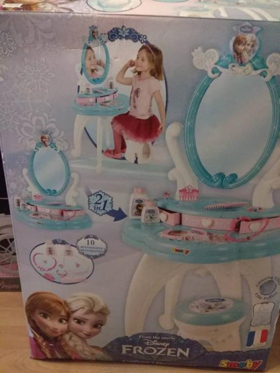 Frozen kosmetinis staliukas su kedute