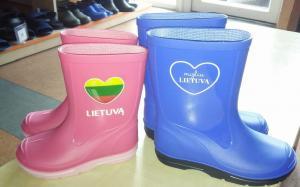 Guminiai batai su lietuviška atributika