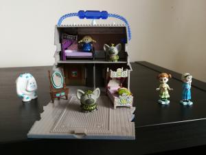 Deliones, zaidimai, knygutes, magnetiniai zaidimai 1-4 m. vaikams