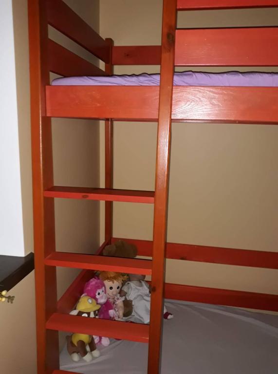Dviaukštė lova-antresolė