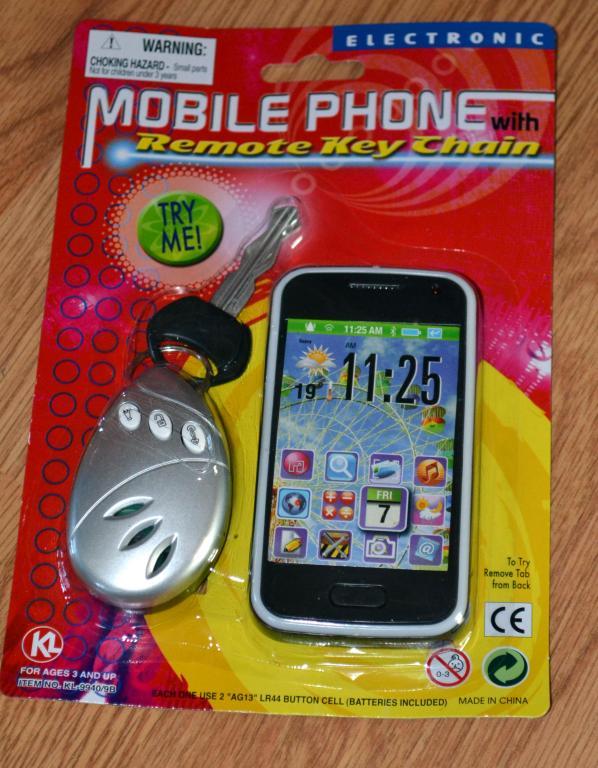 Žaislų rinkinys mašinos rakteliai ir telefonas