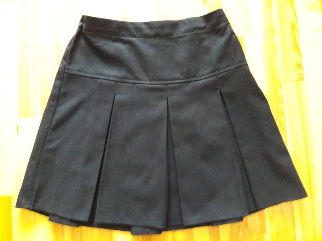 Tamsiai mėlynas sijonas mergaitei