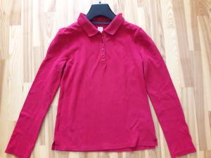 Raudoni polo marškinėliai