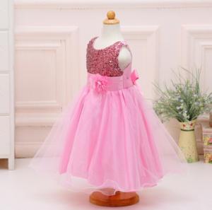 Šviesiai rožinė suknelė mergaitei