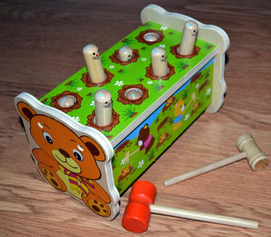 Žaislas mažyliui kalimo stalelis