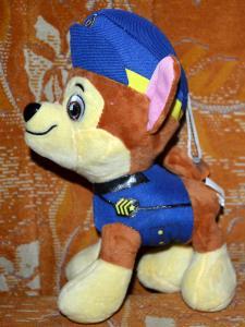 Pliušinis šuniukas patrulis