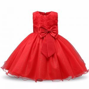 Raudona suknelė su bantuku