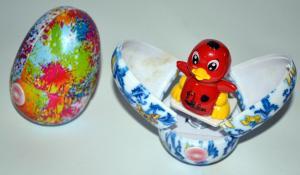 Žaislas kiaušinis su siurprizu