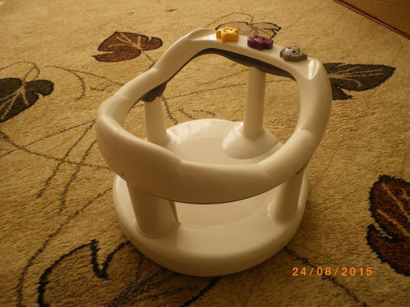 Maudymo kėdutė į vonią
