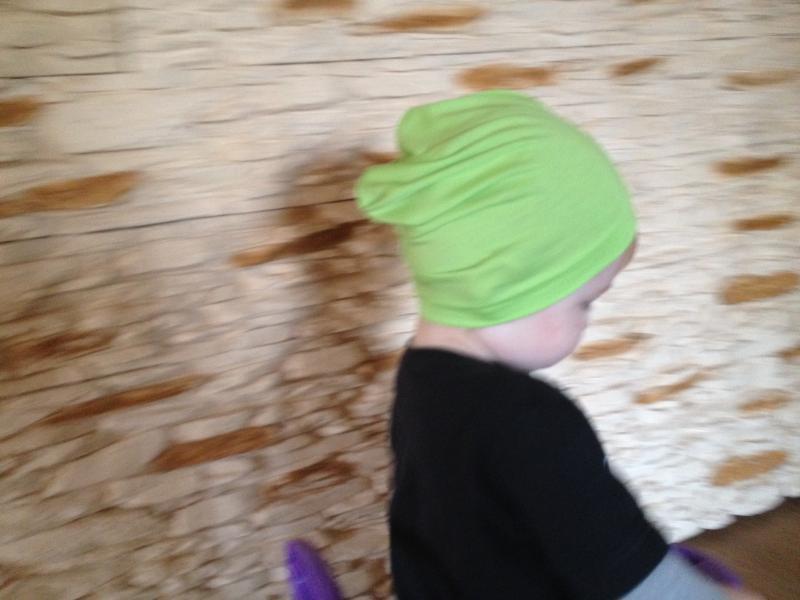 Plona, viengubo audinio kepurytė 3eurai