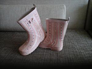 Mazai deveti guminiai batai mergaitei