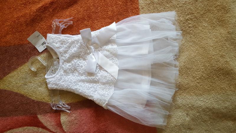 Balta nauja suknele 6-9 men